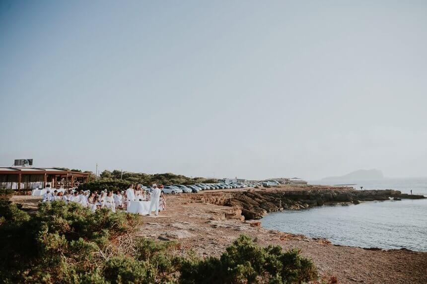 Boda blanca en la playa de Cala Compte