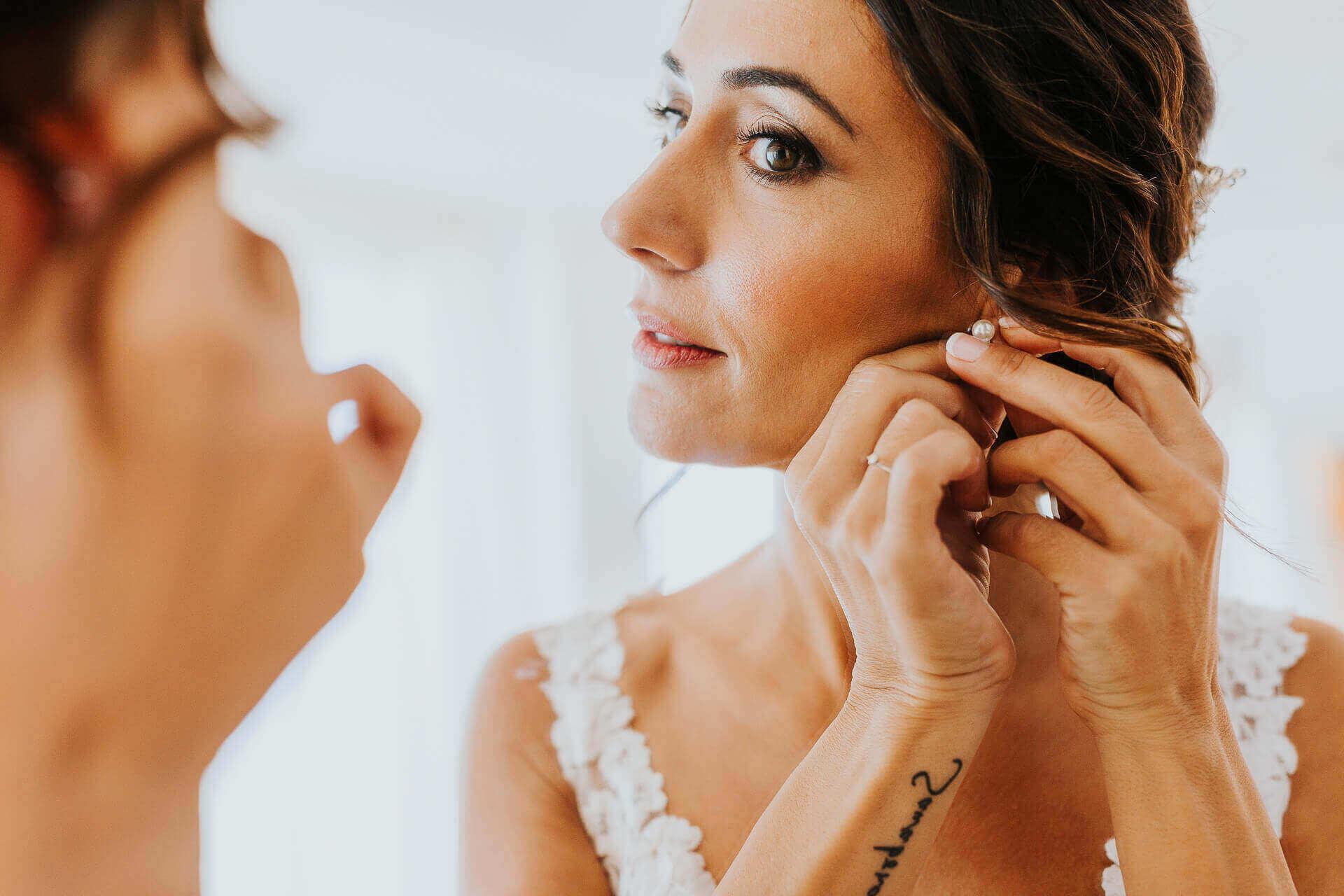 ¿Cómo posar en una boda? Te damos 7 consejos básicos